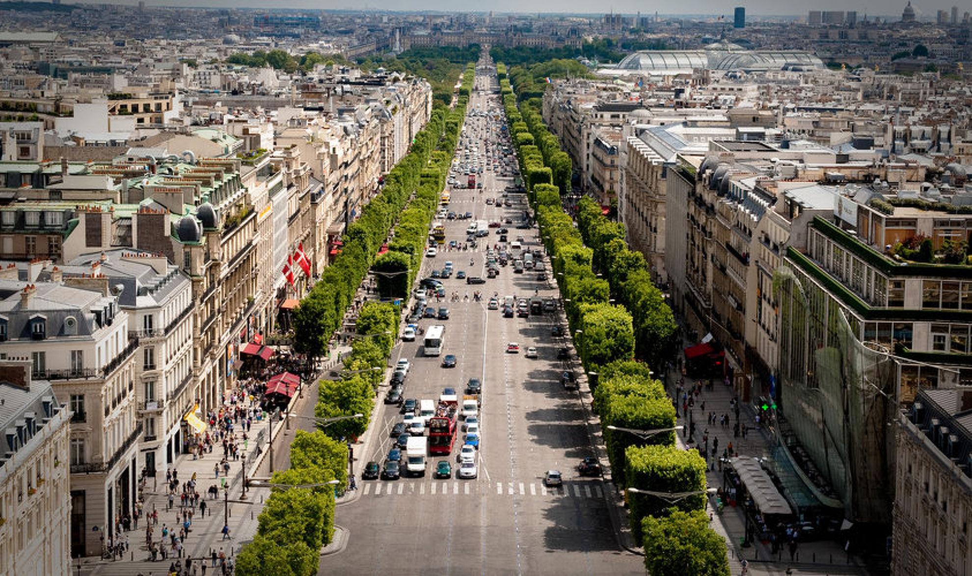 Explore Avenue des Champs Elysees