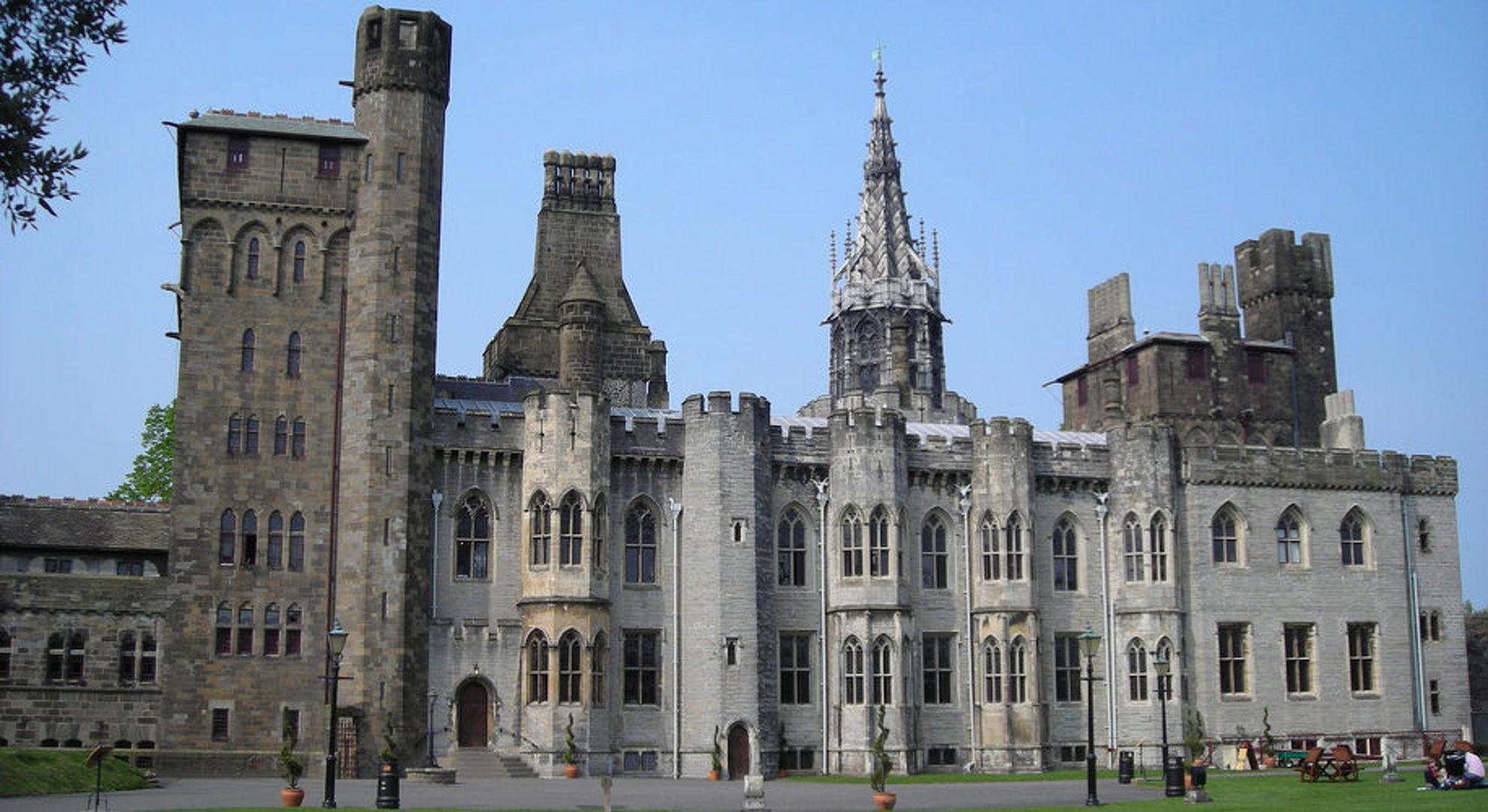 Explore Cardiff Castle