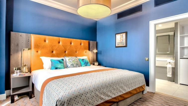 Bedroom in serviced apartments in Glasgow