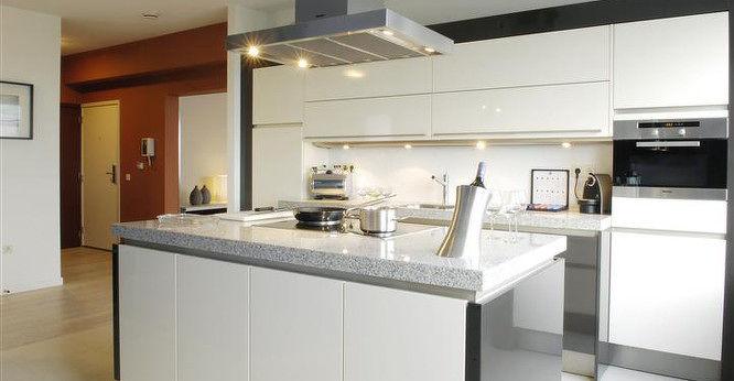 White kitchen Htel Amsterdam Buitenveldert
