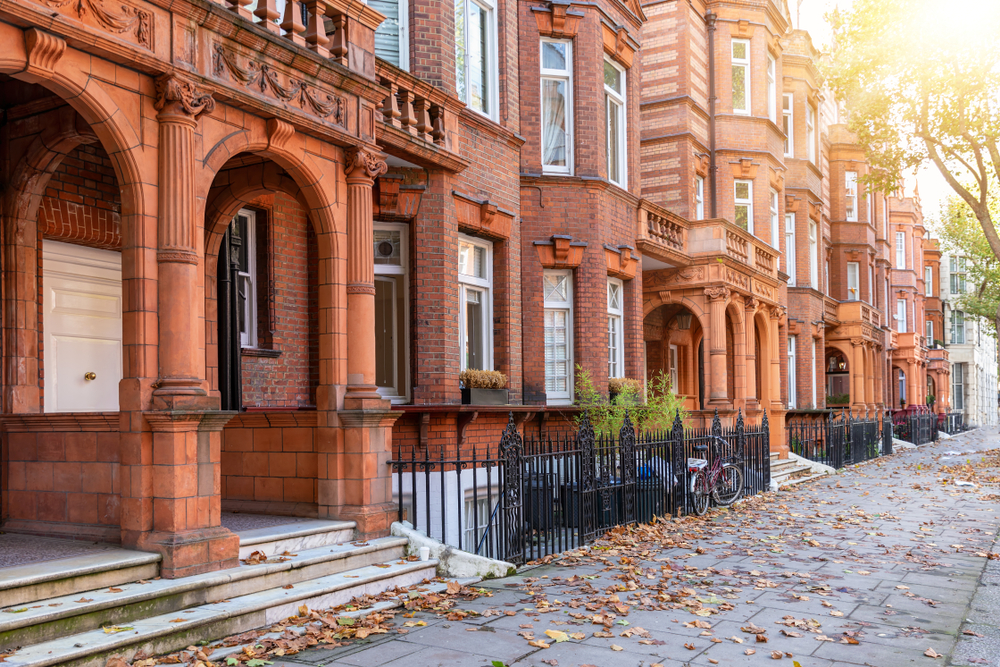 The beautiful street of Chelsea are a perfect place to stay when in London.