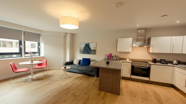 Spacious Kitchen/living area - Premier Suites Plus Bath Street Apartments, Glasgow