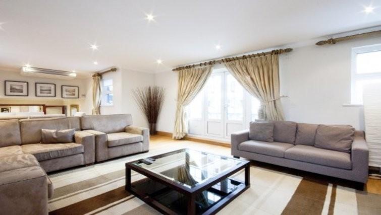 Living room at Chesham Court