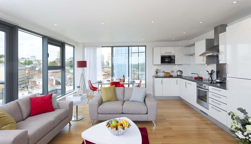 Living room of SACO Bristol – Broad Quay serviced apartments