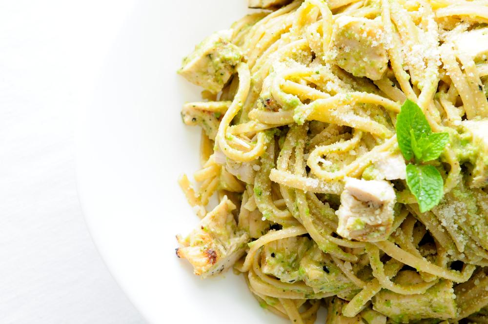 Chicken, pesto and spaghetti combined to make a delicious pasta dish.