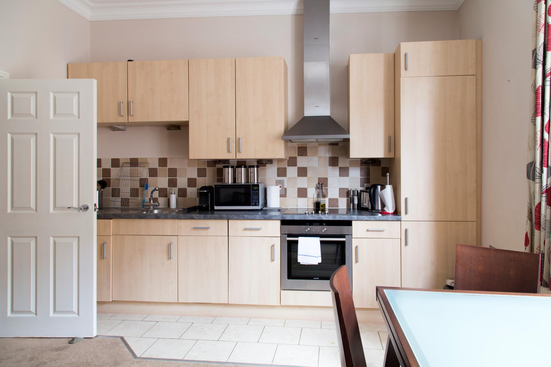 Kitchen diner at Norwich Street Cambridge Apartments - Citybase Apartments