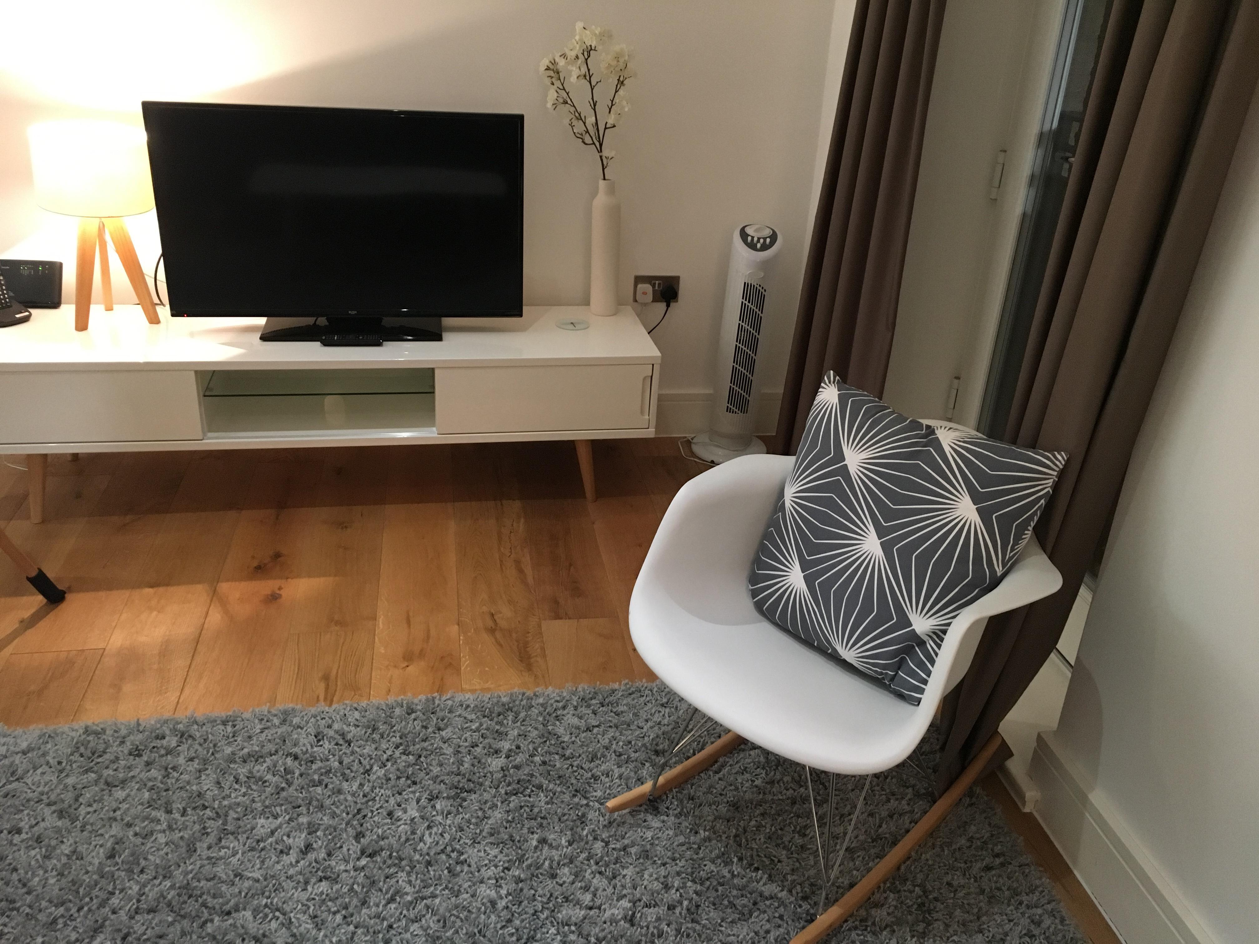 TV at Still Life Warren Street Apartment - Citybase Apartments