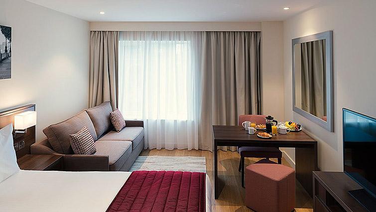 Studio at Waterloo Apartments - Citybase Apartments