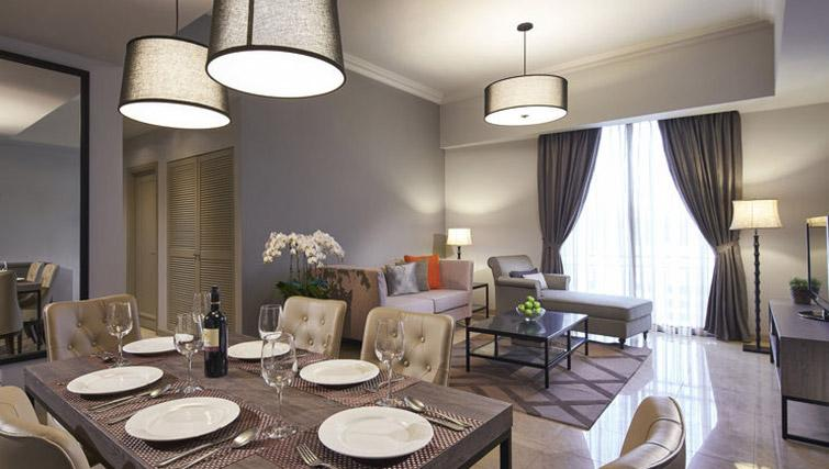 Dining table at Regency House Apartments, Singapore - Citybase Apartments