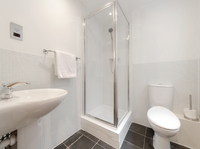 Bathroom at Watling Street Apartments - Citybase Apartments