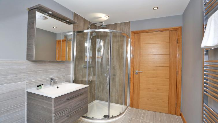 Shower at West Cults Apartments - Citybase Apartments