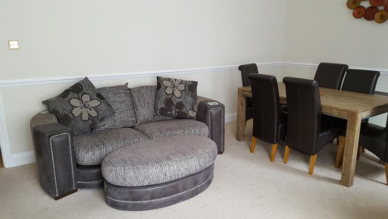 Lounge at Latium Close Apartment - Citybase Apartments