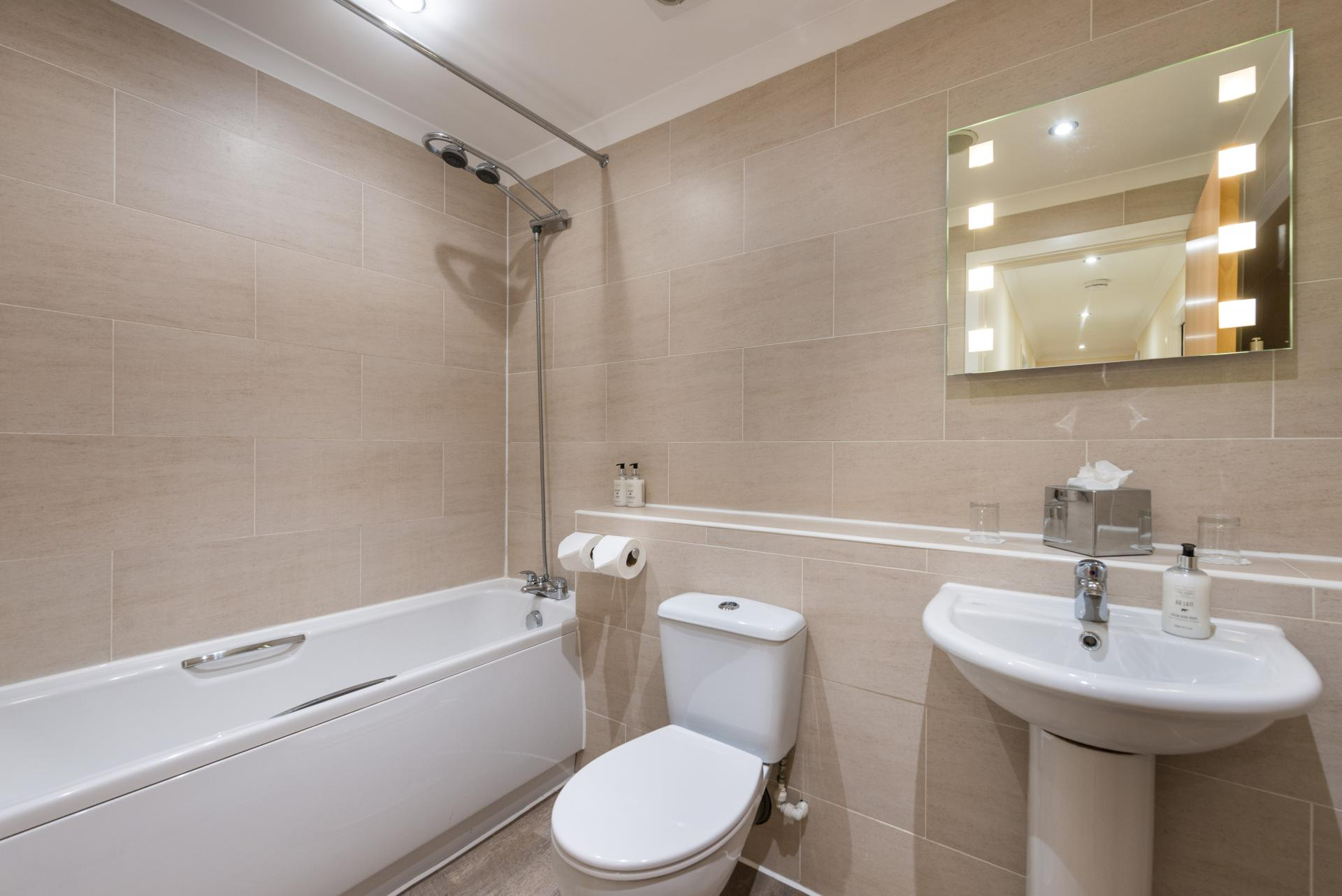 Bathroom at the Harris Apartments - Citybase Apartments
