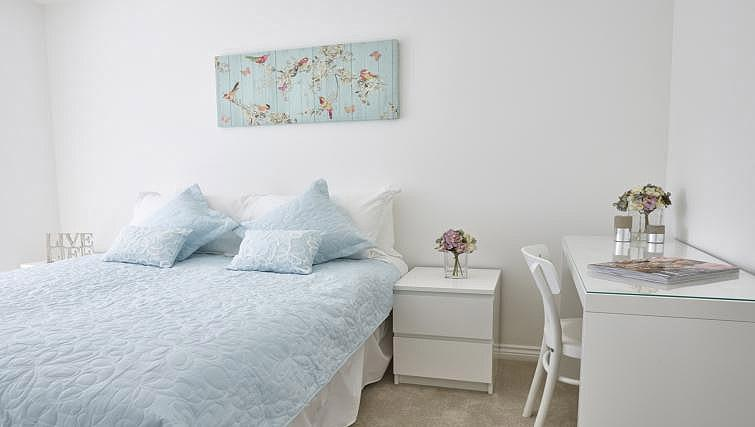 Double bedroom at Campbell Park Residence - Citybase Apartments