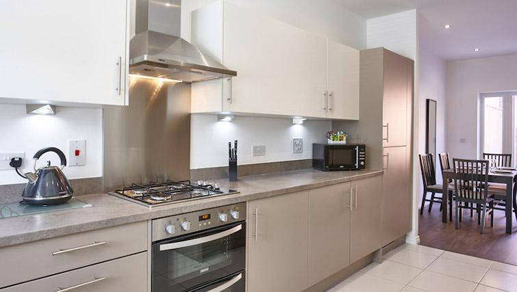 Equipped kitchen at Campbell Park Residence - Citybase Apartments
