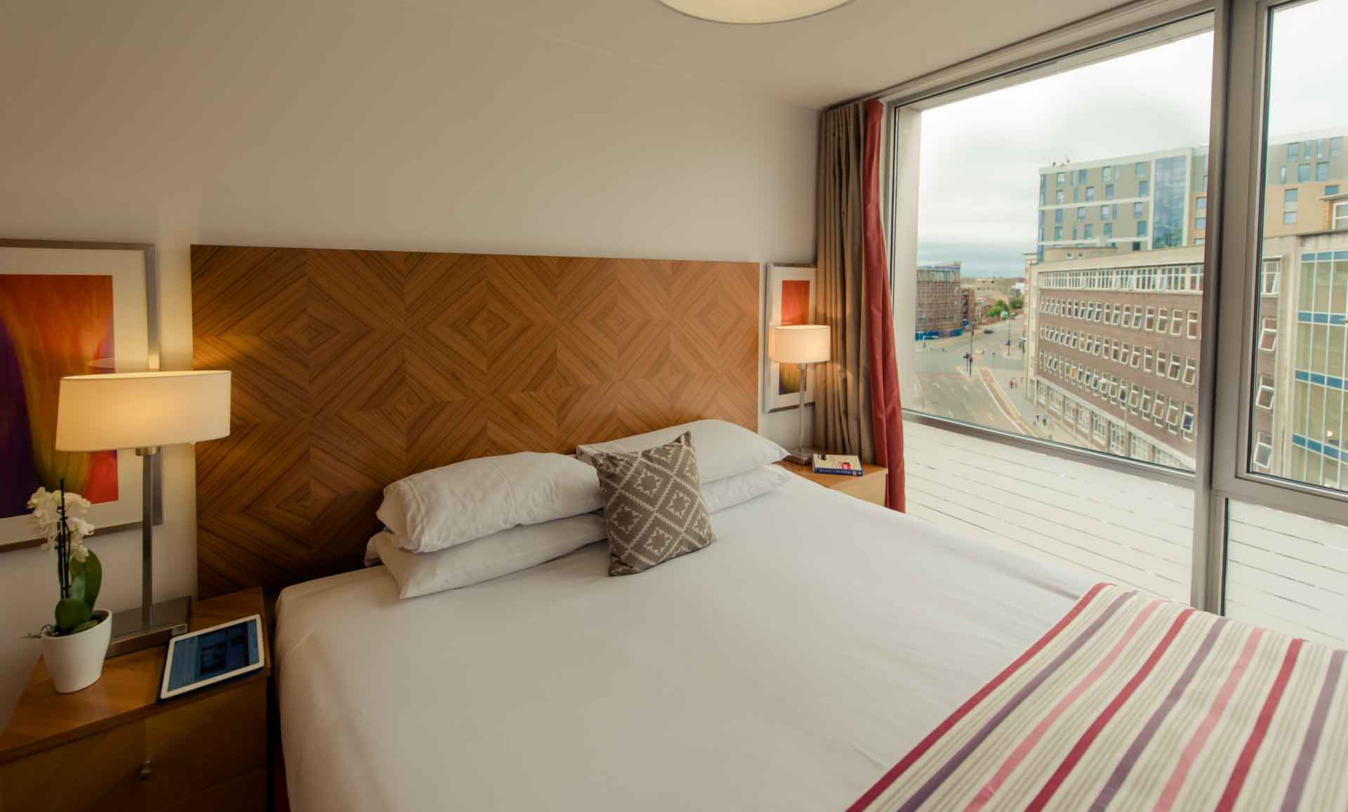 Double bed at Premier Suites Liverpool - Citybase Apartments