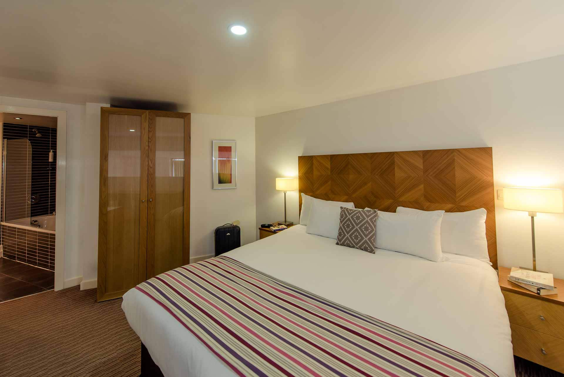 White bed at Premier Suites Liverpool, Centre, Liverpool - Citybase Apartments
