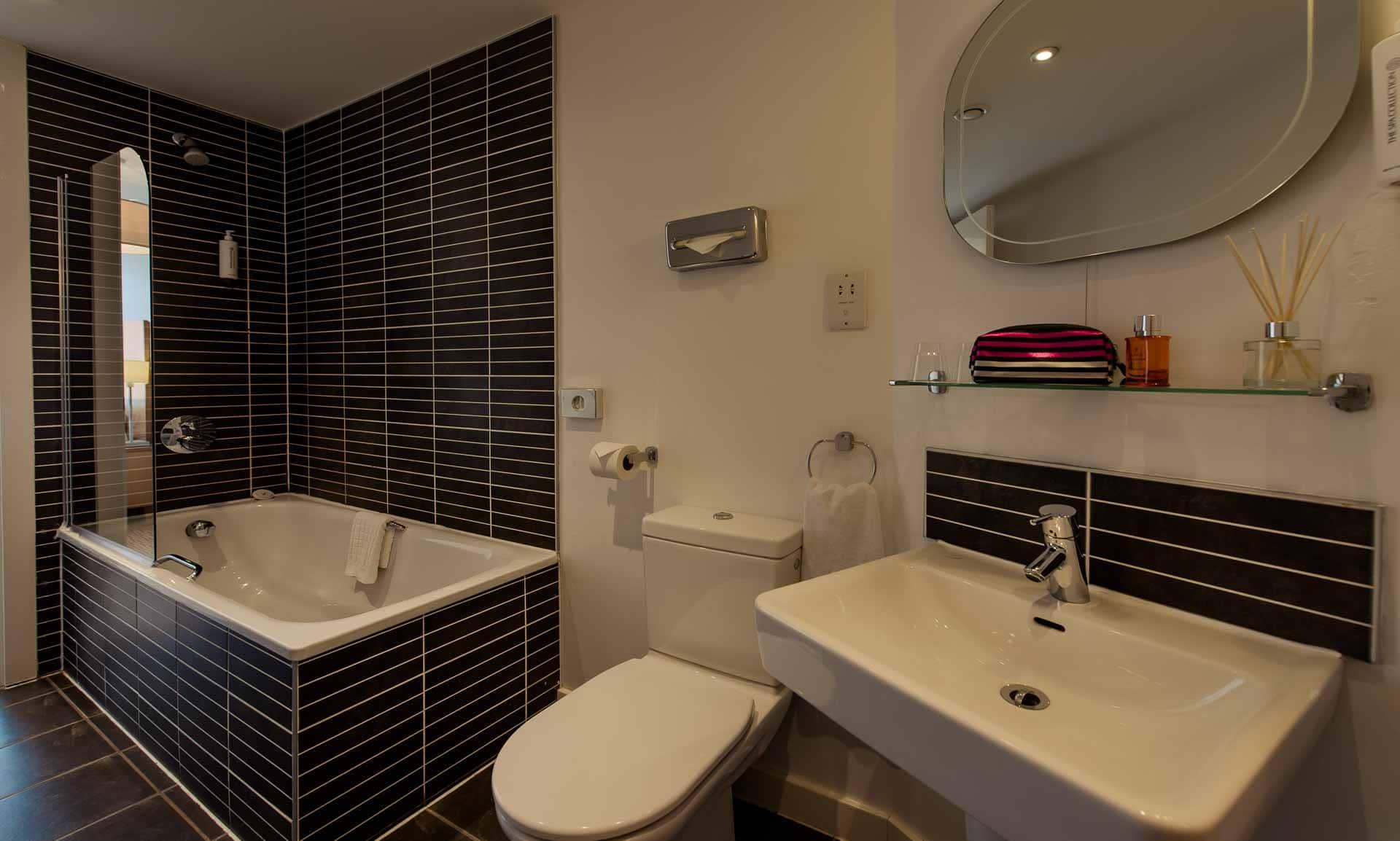 Bath at Premier Suites Liverpool, Centre, Liverpool - Citybase Apartments