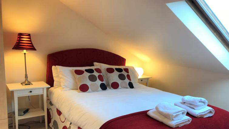 Double bed at Crown Circus Apartment - Citybase Apartments