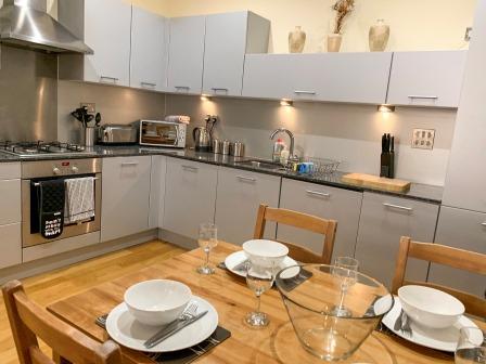 Kitchen at Principal Ingram Apartment - Citybase Apartments