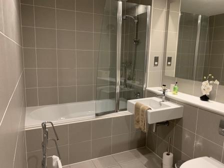 Bathroom at Principal Ingram Apartment - Citybase Apartments
