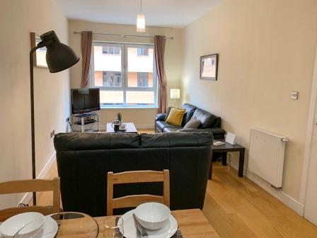 Lounge at Principal Ingram Apartment - Citybase Apartments