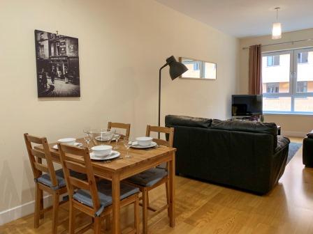 Dining table at Principal Ingram Apartment - Citybase Apartments