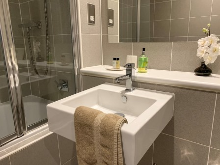 Modern bathroom at Principal Ingram Apartment - Citybase Apartments