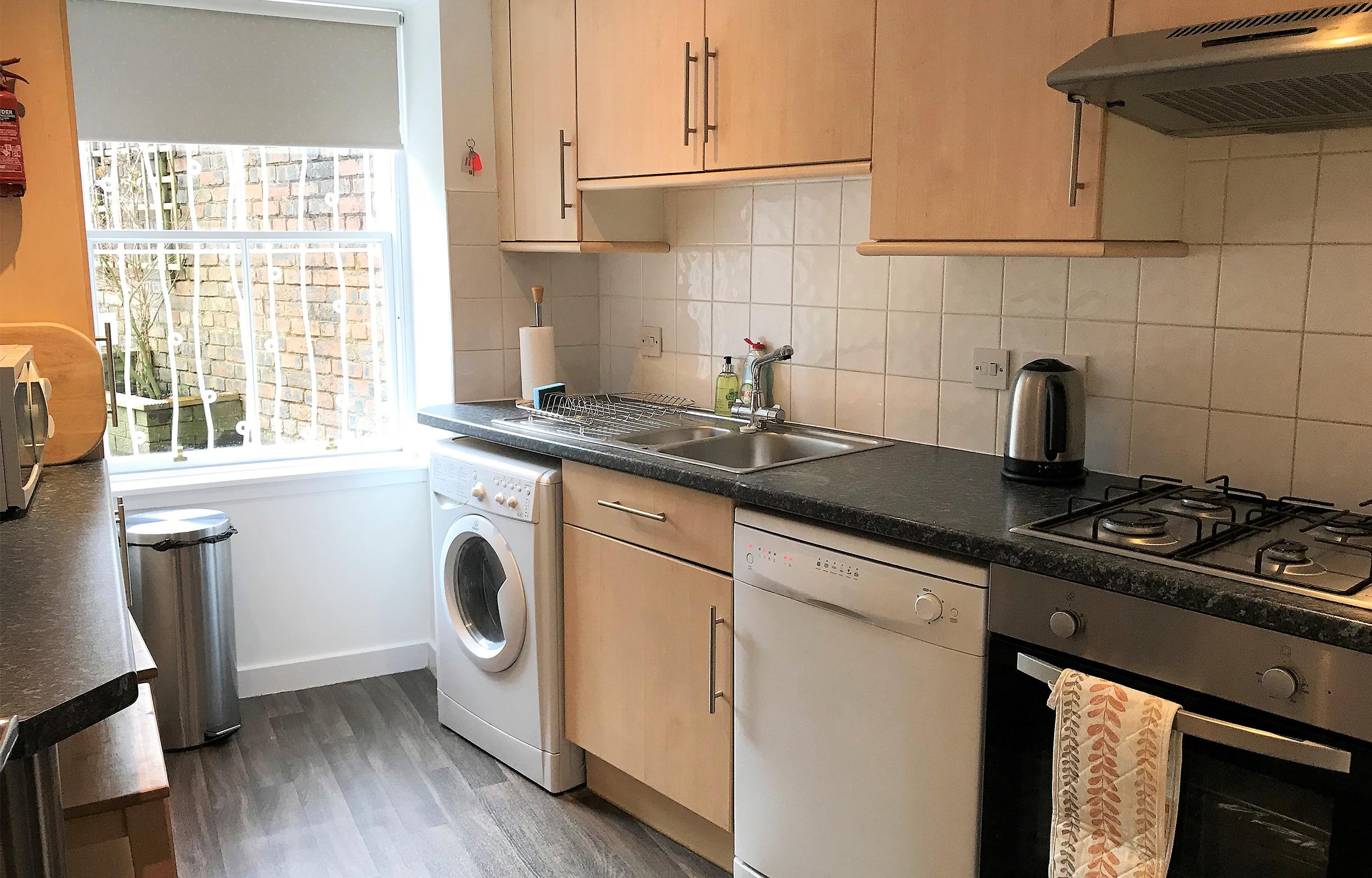 Kitchena t Lansdowne Garden Apartments - Citybase Apartments