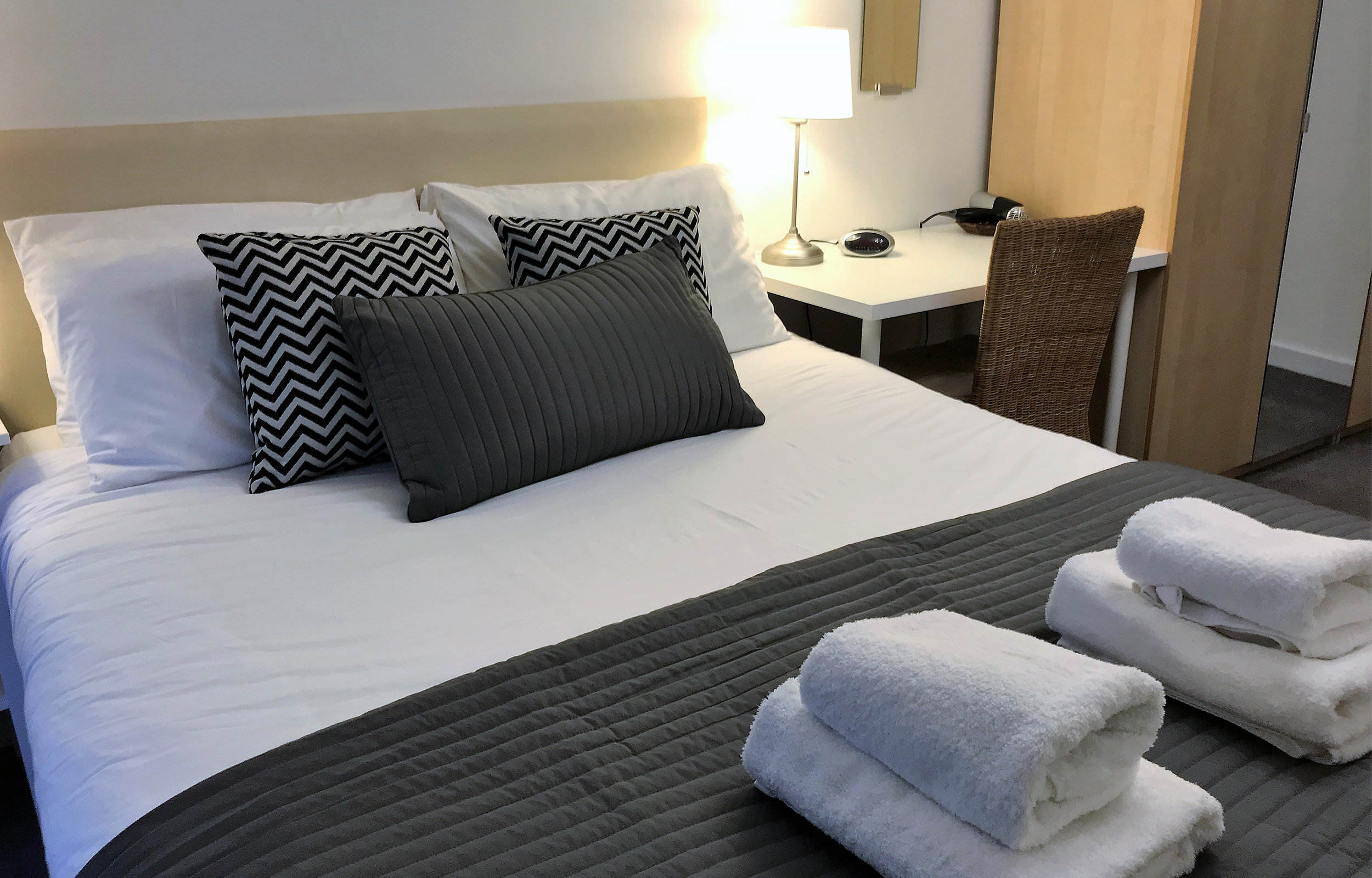 Bedroom at Lansdowne Garden Apartments - Citybase Apartments