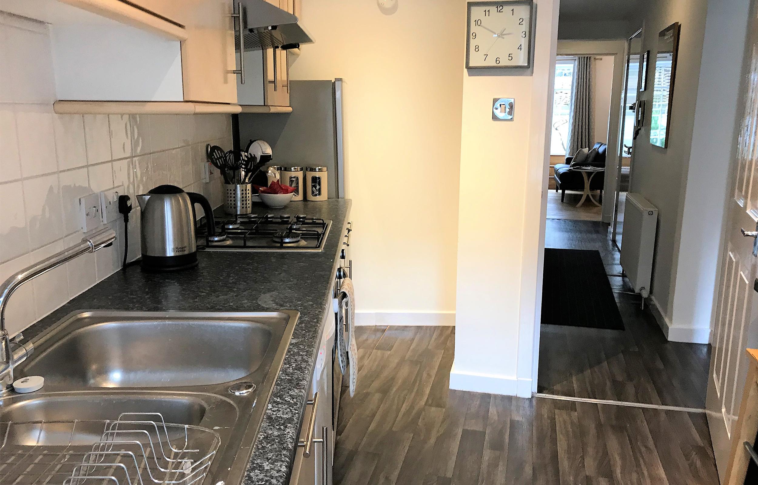 Equipped kitchen at Lansdowne Garden Apartment - Citybase Apartments