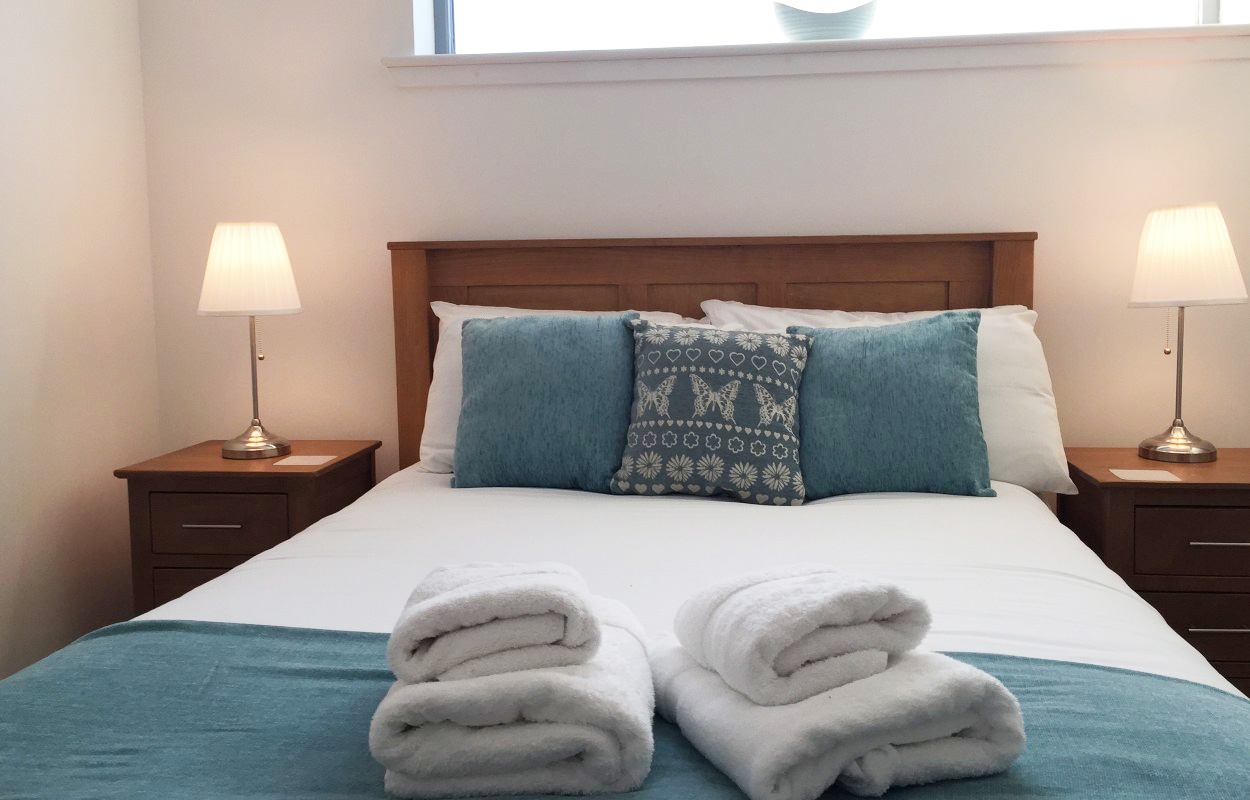 Bed at Virginia Galleries Apartment - Citybase Apartments
