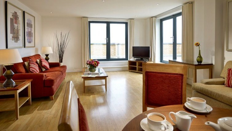 Spacious living area in Stratford Apartments - Citybase Apartments