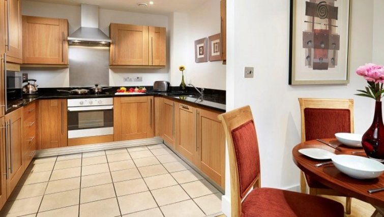 Well equipped kitchen in Stratford Apartments - Citybase Apartments