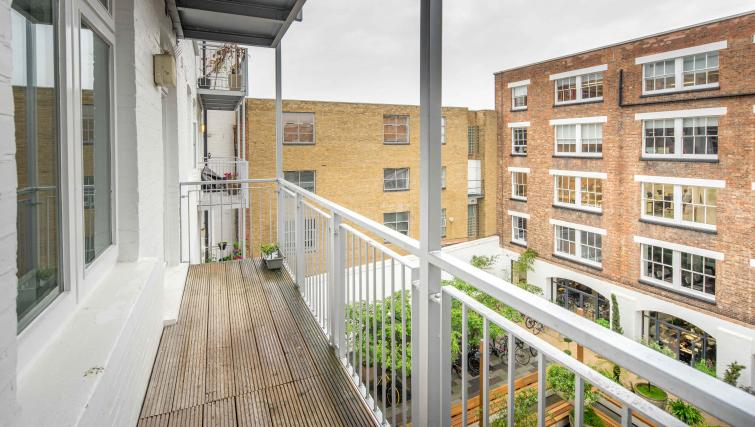 Walk-on balcony at Still Life Clerkenwell Deluxe - Goswell - Citybase Apartments