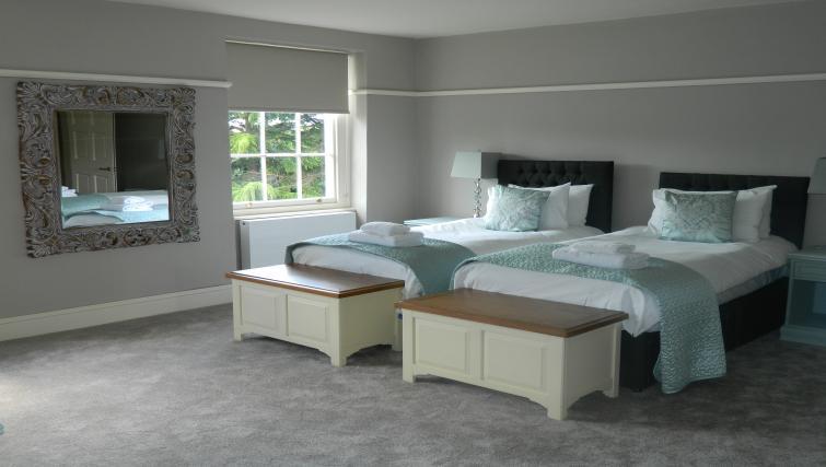 Twin bedroom at Birchover Bridgford Hall Apartments - Citybase Apartments