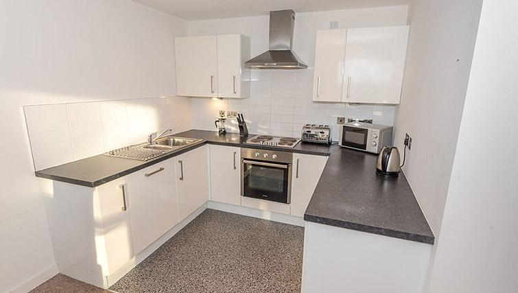 Fully equipped kitchen at Dream Apartments Belfast Obel - Citybase Apartments