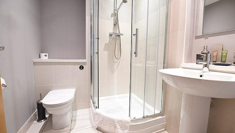 Shower room at Dream Apartments Belfast Obel - Citybase Apartments