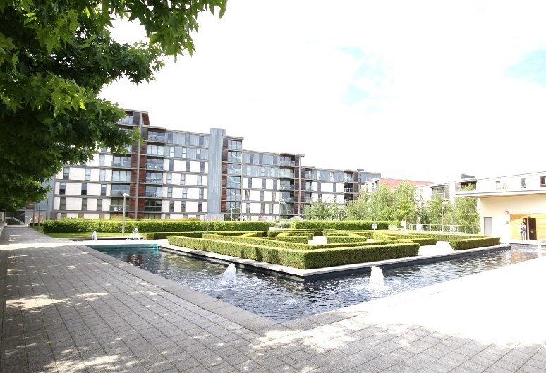 Roof terrace at Cotels Vizion Apartments, Centre, Milton Keynes - Citybase Apartments