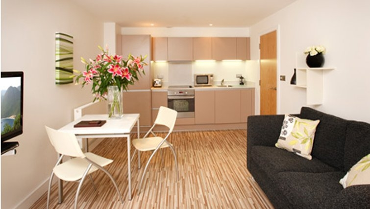 Large living area in SACO Holborn - Lamb's Conduit Street - Citybase Apartments