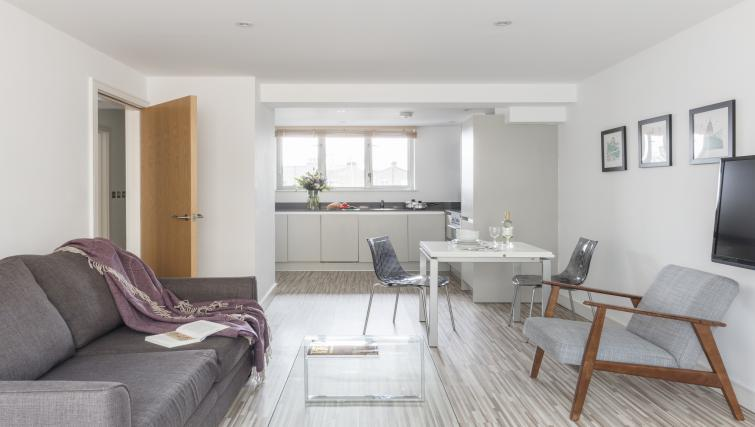 Kitchen at the SACO Holborn - Lamb's Conduit Street - Citybase Apartments