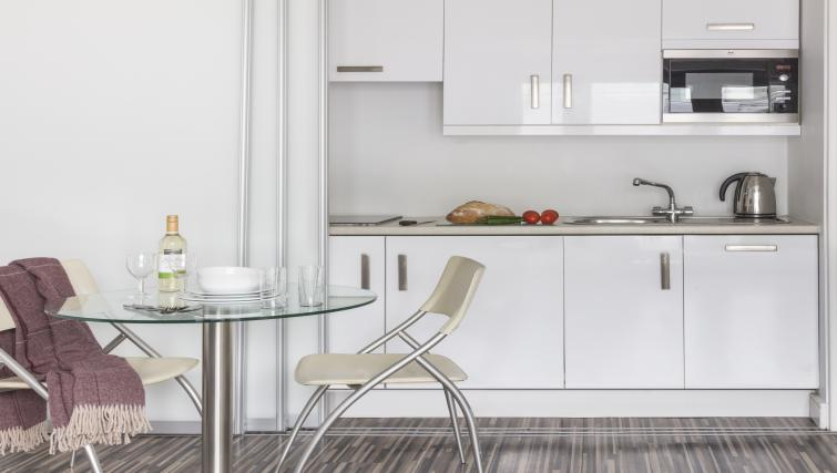 Kitchen area at the SACO Holborn - Lamb's Conduit Street - Citybase Apartments