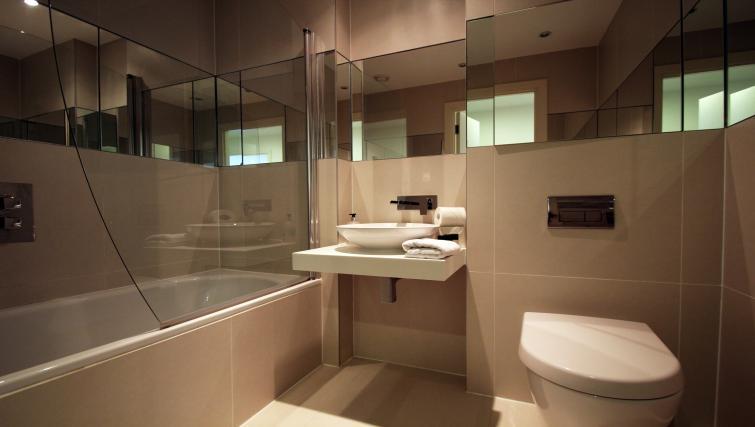Bathroom at Angel Apartments - Citybase Apartments