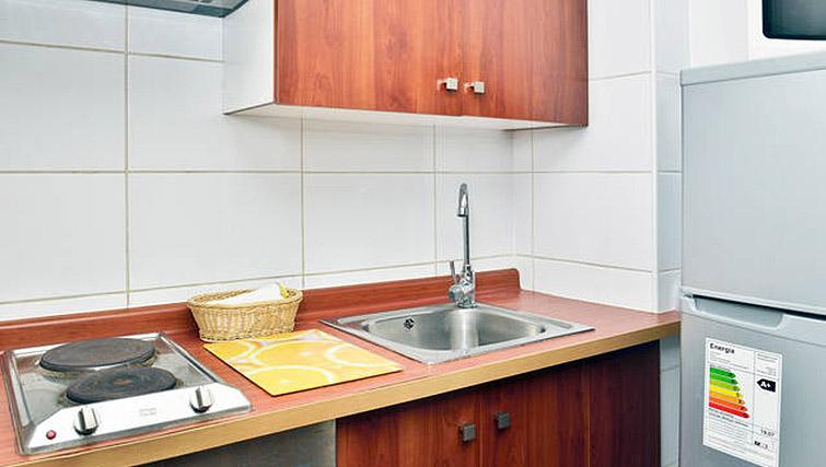Kitchen facilities at VIP Apartments Chile - Citybase Apartments