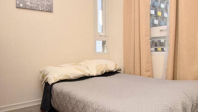 Double bed at VIP Apartments Chile - Citybase Apartments