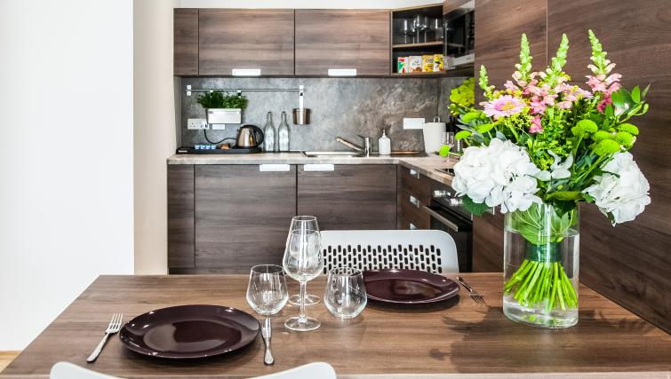 Kitchen dining at the Hampton Suites Apartments - Citybase Apartments