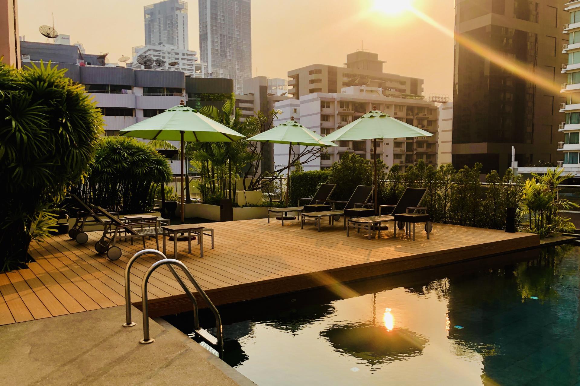 Pool at Oakwood Residence Sukhumvit 24 Bangkok - Citybase Apartments