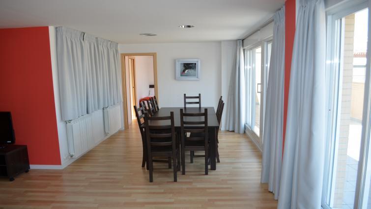 Dining table at Palacio Apartments - Citybase Apartments
