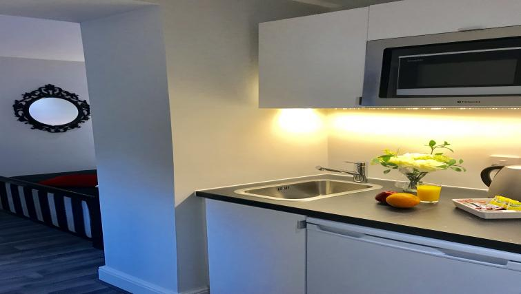 Clean kitchen at So Hammersmith Apartments - Citybase Apartments