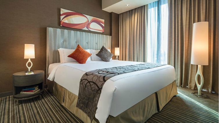 King size bed at Park Avenue Changi Apartments, Singapore - Citybase Apartments